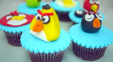 I made Angry Birds @ Cake Connection!