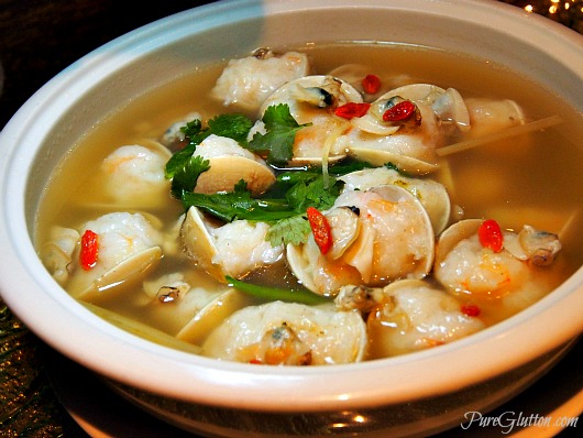 sea pearl clam broth