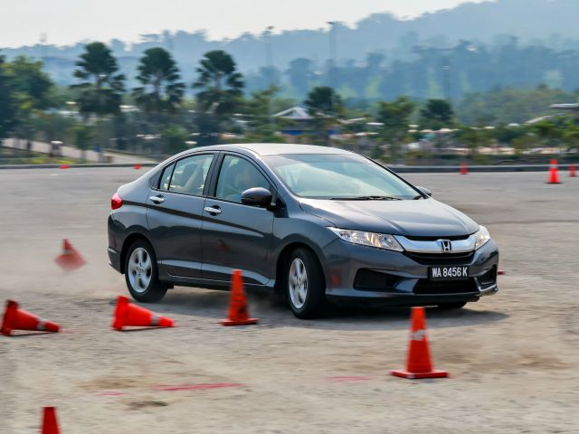 Honda City Blogger Drive_Test-drive session_Car 2_Instructor demonstration