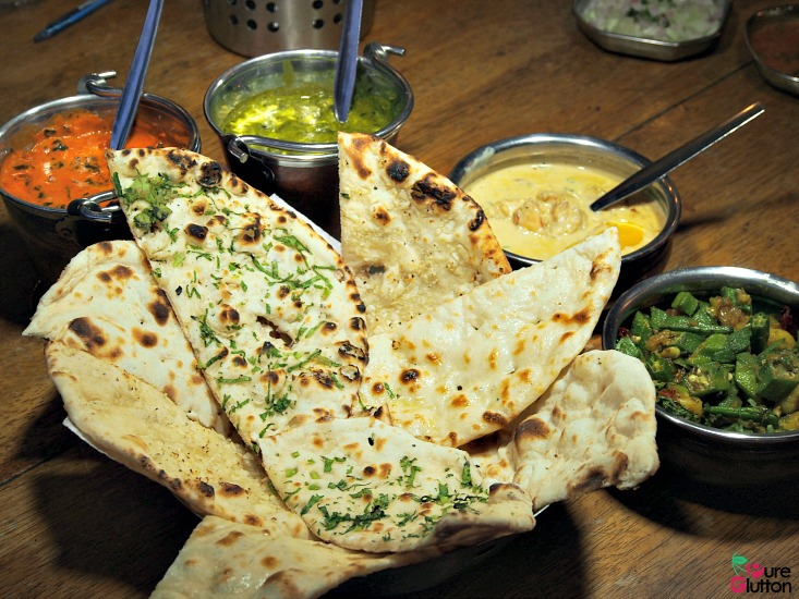 assorted-naans