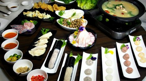 SECRET GARDEN REVEALS ITS SUPERB STEAMBOAT SETS