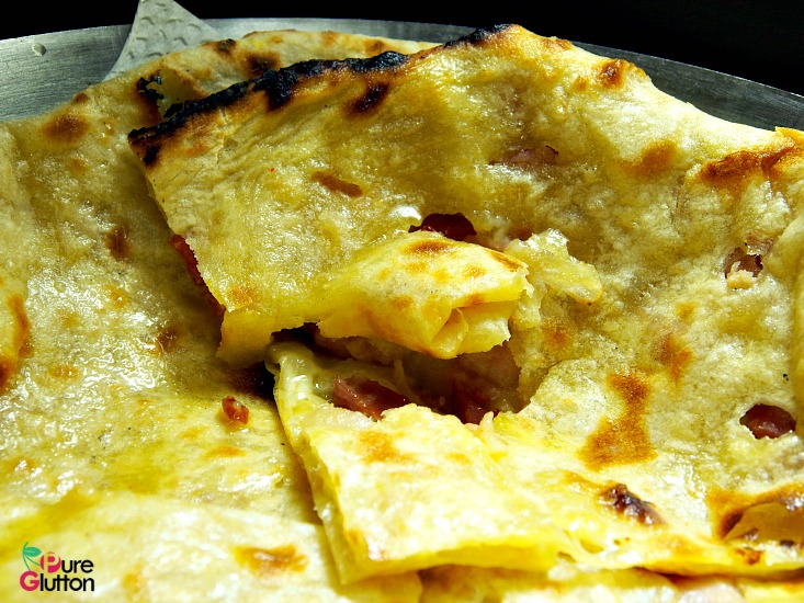 cheese bacon naan1
